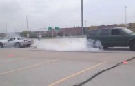 C5 Corvette Z06 vs Chevy Blazer Tug O' War burnout