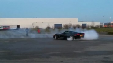 Playing with a full scale remote controlled Chevrolet Corvette c6 sweet burnout